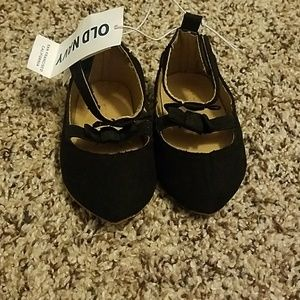 Old Navy black baby shoes NWT